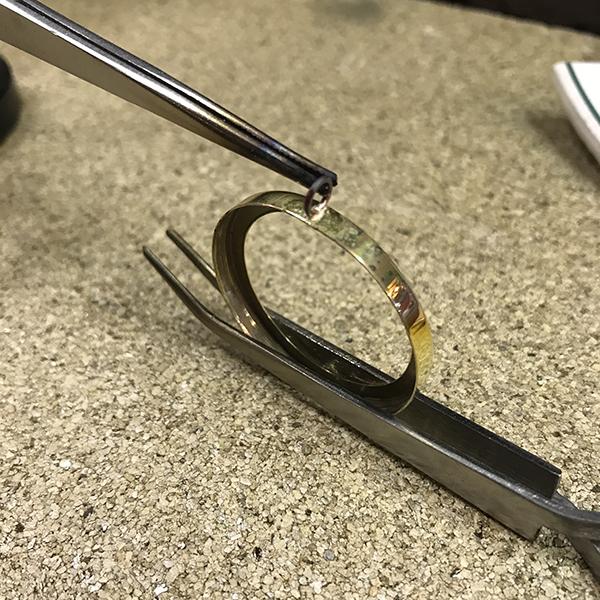 Le brasage, étape de fabrication artisanale du bijou